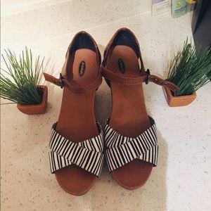 Sz 10 Dr. Scholl's Wedge sandals.